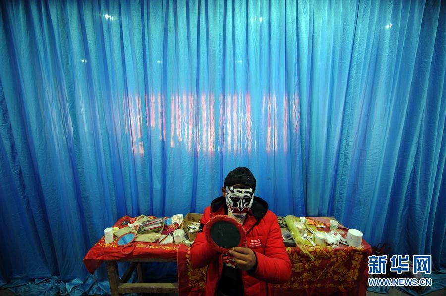 新华社记者 侯德强 摄  春节前后,青海省西宁市湟中县田家寨镇什张家